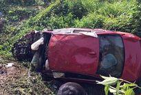 BMW lao xuống suối, 7 người thương vong ở Đồng Nai