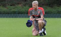 'Oezil, Sanchez chưa đủ hay, Arsenal cần bom tấn để lọt vào Top 4'