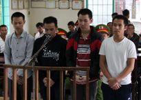 4 thanh niên trói tài xế, cướp xe taxi
