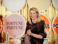 Cuộc sống xa hoa của nữ CEO vừa bán Yahoo cho Verizon