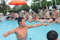 Tập huấn phương pháp dạy bơi, cứu đuối cho đội ngũ giáo viên