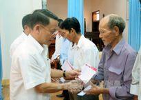 Tổng Giám đốc TTXVN thăm, tặng quà các gia đình chính sách tại Quảng Trị
