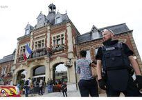 Bắn hạ 2 kẻ bắt cóc, cứa cổ con tin trong nhà thờ Pháp