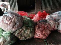 Thực phẩm bẩn: Dùng cả xe Camry để chở gà thải loại về Hà Nội