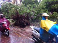 Bão số 1 giật cấp 13, gây mưa dữ dội trên nhiều tỉnh thành