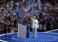Khoảnh khắc bà Hillary Clinton đi vào lịch sử nước Mỹ