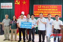 Trao tặng 13 giường cấp cứu cho BVĐK huyện Hương Sơn