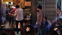 2 nhân viên nấu ăn đánh nhau, một người bị chém đứt cổ tử vong