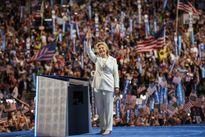 Hillary Clinton: 'Tôi chấp nhận đề cử trở thành Tổng thống của các bạn'