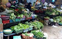 Thực phẩm đột ngột tăng giá vì mưa bão