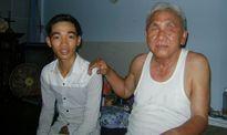 Ông lão mù 38 năm làm từ thiện giúp đời