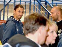Ibrahimovic 'tậu' riêng HLV trị liệu