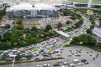 Sân bay Tân Sơn Nhất: Nhiều chuyến bay phải bay vòng chờ từ 15 – 60 phút mới được hạ cánh