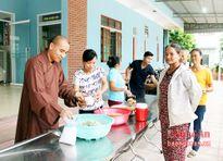 250 suất cháo tình thương đến với bệnh nhân nghèo Yên Thành