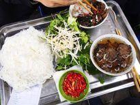 Những món ăn vặt quanh phố cổ Hà Nội