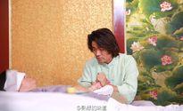 """Ngôi sao 24/7: Vợ ngoại tình với quản lý, """"ảnh đế Cbiz"""" quỳ gối xin lỗi mẹ"""
