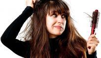 Rụng tóc nhiều - dấu hiệu cảnh báo bệnh rất nguy hiểm ít ai ngờ