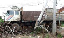 Toàn bộ bệnh viện quân y bị mất điện vì xe tải… húc bay cột điện