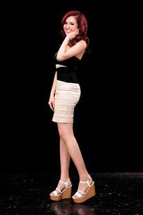Hoa hậu Diệu Hoa khoe hai con gái xinh xắn như hotgirl