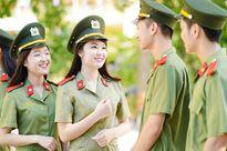 Kỷ niệm ngày truyền thống công an qua trắc nghiệm tuyển sinh