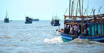 Cứu 6 ngư dân gặp nạn trên vùng biển Cà Mau