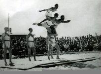 Thế vận hội trong hàng rào thép gai