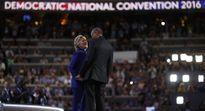 IS có thể là vụ bê bối phá tan giấc mộng Nhà Trắng của bà Clinton