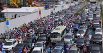 Ùn tắc kéo dài tại hầm chui nghìn tỷ ở Hà Nội