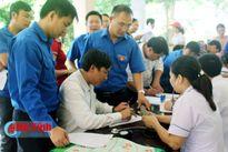 Gần 300 cán bộ, ĐVTN Hương Khê hăng hái hiến máu tình nguyện