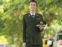 Thủ khoa xuất sắc đeo quân hàm Trung úy