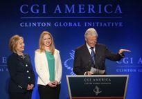 Bà Clinton lại gặp rắc rối với quỹ từ thiện gia đình