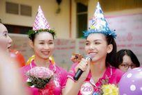 Dù cạnh tranh khốc liệt, các thí sinh Hoa hậu Việt Nam vẫn thân thiết như thế này!