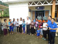 LĐLĐ tỉnh Bình Thuận: Thăm và tặng quà cho bà con lao động nghèo
