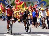 Tay đua Pháp bực tức vì bị Duy Nhân vượt mặt đoạt áo vàng