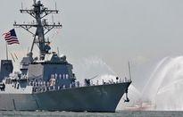 Tàu quân sự Iran tăng tốc chặn tàu Mỹ ở eo biển Hormuz