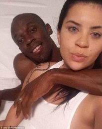 """Usain Bolt đi """"tòm tem"""", bạn gái phản ứng thế nào?"""