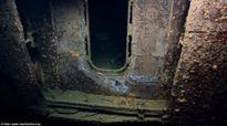 Soi xác tàu sân bay Mỹ sau 65 năm chìm dưới biển