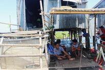 Nhọc nhằn nuôi chữ ở xóm nhà chồ trên phá Tam Giang