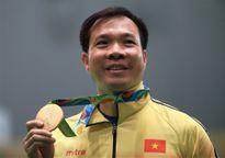 Hoàng Xuân Vinh nói gì với người Trung Quốc sau tấm HCV Olympic lịch sử?