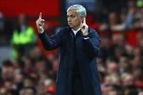 """""""Mourinho thành công nhờ triết lý đối lập Moyes và Van Gaal"""""""