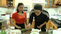 Diễn viên Thuận Nguyễn lên Gia Lai học nấu phở khô