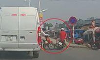 Pha thoát nạn khó tin của xe máy bị phụ nữ qua đường cắt mặt