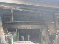 TP HCM: Giải cứu cụ bà bị bại liệt trong căn nhà bốc cháy ngùn ngụt