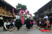 Làng Văn hóa Du lịch các dân tộc Việt Nam sôi động 'Tháng vui Tết Độc lập'