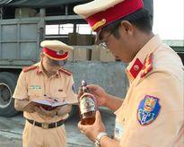 Phát hiện lô rượu ngoại không rõ nguồn gốc trên đường đi tiêu thụ