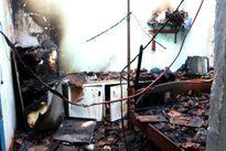 Cháy hai căn hộ trong khu tập thể trường nghề
