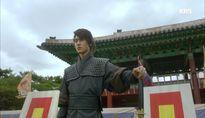 Moonlight: Sau xạ thủ Kang Chul, đến Park Bo Gum chiêu mộ 'cung fan' bằng tài bắn cung thần sầu