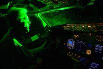 Nhiều nước lo đèn laze uy hiếp an toàn bay