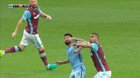 Aguero đối mặt với án treo giò 3 trận vì pha thúc cùi chỏ trong trận gặp West Ham