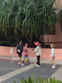 Taeyeon và Baekhyun bất ngờ 'đụng độ', được xếp cùng đội trong chuyến du lịch Hawaii